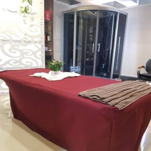 Body Steamer Massage table 300x300 - Hair, Skin Care Beauty Salon, Spa in Bavdhan – Serene Salone di Bellezza – Gallery