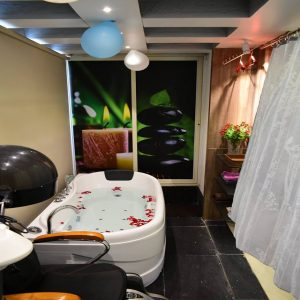 Full Body Spa 300x300 - Hair, Skin Care Beauty Salon, Spa in Bavdhan – Serene Salone di Bellezza – Gallery